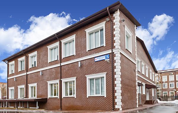 Здание медицинского центра «Арт-Мед» на Щукинской